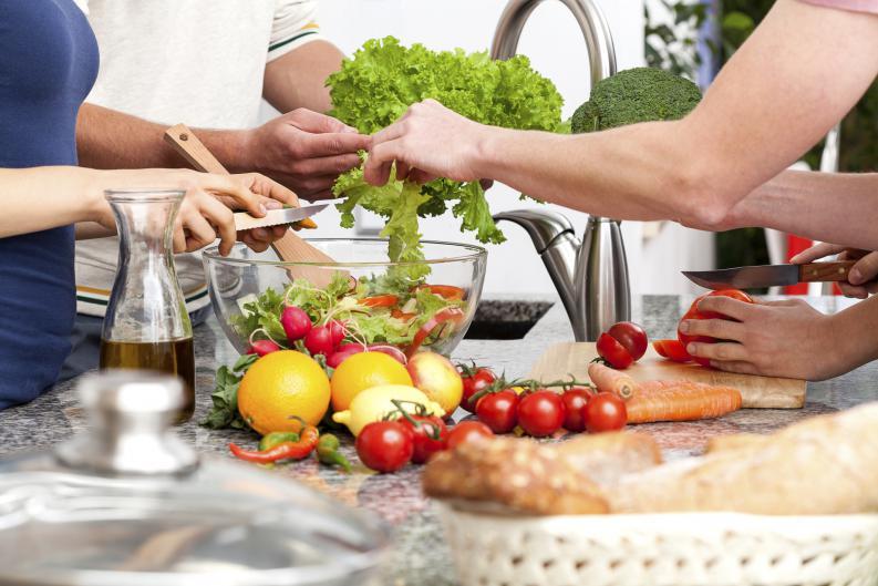 5 ingredientes deliciosos para tus platos que además te ayudan a cuidarte.