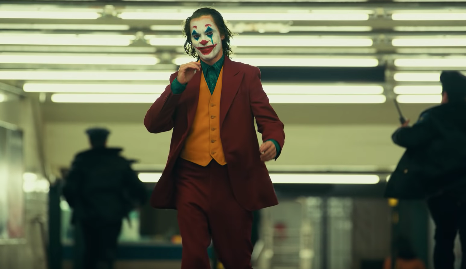 """Joaquin Phoenix destaca en el nuevo trailer de """"El Joker"""""""