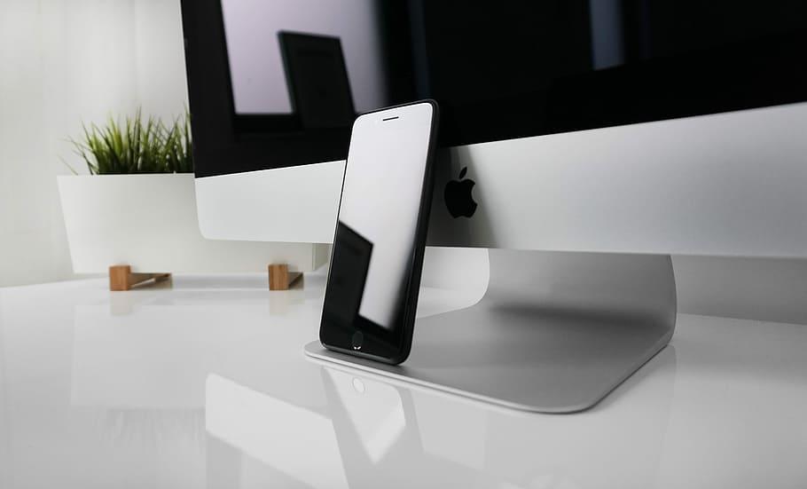 Apple lanzará cuatro nuevos iPhone con 5G el próximo año