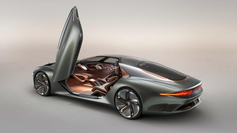 Bentley presenta un auto que lleva el nombre de Bacalar, sí, la icónica laguna de los 7 colores