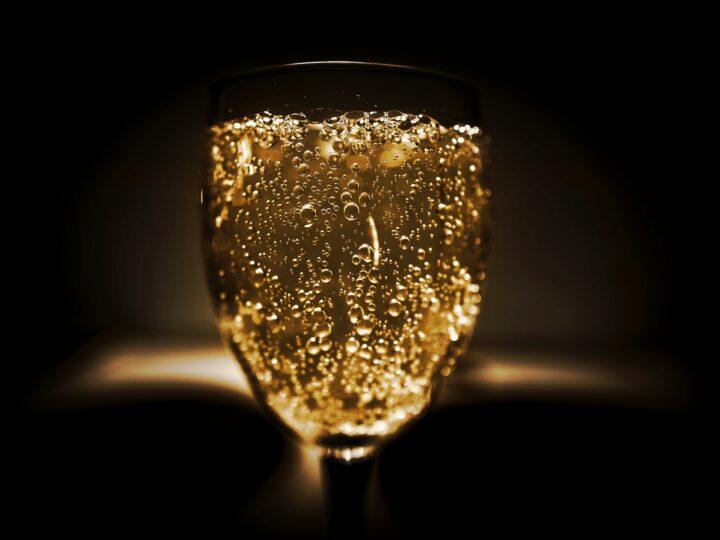 Diferencias entre cava, champagne y vino espumoso.